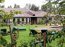 Bougainvillea Safari Lodge