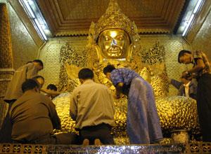 Mahamuni golden buddha
